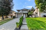 Main Photo: 2419 WAYBURNE Crescent in Langley: Willoughby Heights House for sale : MLS®# R2497647