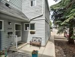 Main Photo: 3540 42 Street in Edmonton: Zone 29 Townhouse for sale : MLS®# E4202232