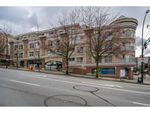 """Main Photo: C10 332 LONSDALE Avenue in North Vancouver: Lower Lonsdale Condo for sale in """"The Calypso"""" : MLS®# R2448637"""