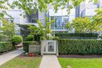 """Main Photo: 1225 W CORDOVA Street in Vancouver: Coal Harbour Townhouse for sale in """"CARINA"""" (Vancouver West)  : MLS®# R2489547"""