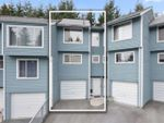 """Main Photo: 8 822 GIBSONS Way in Gibsons: Gibsons & Area Townhouse for sale in """"THE MANSE"""" (Sunshine Coast)  : MLS®# R2407484"""