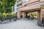 """Main Photo: 204 20058 FRASER Highway in Langley: Langley City Condo for sale in """"VARSITY"""" : MLS®# R2495290"""