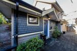 Main Photo: 250 E 10TH Street in North Vancouver: Central Lonsdale House 1/2 Duplex for sale : MLS®# R2471068