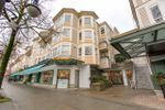 """Main Photo: 222 2545 W BROADWAY in Vancouver: Kitsilano Townhouse for sale in """"Trafalgar Mews"""" (Vancouver West)  : MLS®# R2430335"""