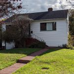 Main Photo: 2071 Carnarvon St in : OB Henderson House for sale (Oak Bay)  : MLS®# 858987
