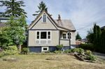 Main Photo: 2028 LONDON Street in New Westminster: Connaught Heights House for sale : MLS®# R2440810