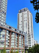 """Main Photo: 206 5515 BOUNDARY Road in Vancouver: Collingwood VE Condo for sale in """"WALL CENTER CENTRAL PARK"""" (Vancouver East)  : MLS®# R2403740"""