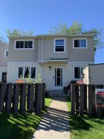 Main Photo: 9F CLAREVIEW Village in Edmonton: Zone 35 Townhouse for sale : MLS®# E4211636