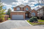 Main Photo: 52 TUSCANI Drive in Stoney Creek: Residential for sale : MLS®# H4076903