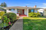 Main Photo: 2224 Kinross Ave in : OB Estevan House for sale (Oak Bay)  : MLS®# 858491