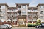 Main Photo: 422 2484 WILSON Avenue in Port Coquitlam: Central Pt Coquitlam Condo for sale : MLS®# R2435839