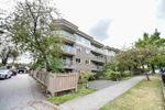 """Main Photo: 206 998 W 19TH Avenue in Vancouver: Cambie Condo for sale in """"SOUTH GATE PLACE"""" (Vancouver West)  : MLS®# R2403874"""