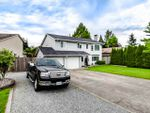 Main Photo: 21207 95A Avenue in Langley: Walnut Grove House for sale : MLS®# R2469328