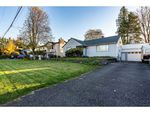 Main Photo: 8772 BELLEVUE Drive in Chilliwack: Chilliwack W Young-Well House for sale : MLS®# R2416486