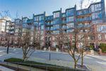 Main Photo: 511 2268 REDBUD Lane in Vancouver: Kitsilano Condo for sale (Vancouver West)  : MLS®# R2403988