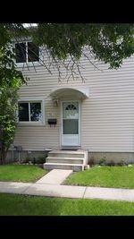 Main Photo:  in Edmonton: Zone 21 Townhouse for sale : MLS®# E4202710