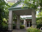 """Main Photo: 103 15268 105 Avenue in Surrey: Guildford Condo for sale in """"Georgian  Gardens"""" (North Surrey)  : MLS®# R2445403"""
