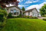 "Main Photo: 9911 PARKWOOD Drive in Rosedale: Rosedale Popkum House for sale in ""Emerald Glen"" : MLS®# R2472670"