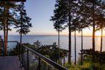 "Main Photo: 20 TSAWWASSEN BEACH Road in Delta: English Bluff House for sale in ""TSAWWASSEN BEACH"" (Tsawwassen)  : MLS®# R2452605"
