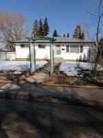 Main Photo: 37 CRANE Road: Sherwood Park House for sale : MLS®# E4148502
