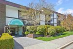 "Main Photo: 203 1521 BLACKWOOD Street: White Rock Condo for sale in ""The Sandringham"" (South Surrey White Rock)  : MLS®# R2352720"