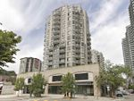 "Main Photo: 1001 55 TENTH Street in New Westminster: Downtown NW Condo for sale in ""WESTMINSTER TOWERS"" : MLS®# R2380852"