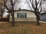 Main Photo: 377 Hillary Crescent in Winnipeg: Crestview Residential for sale (5H)  : MLS®# 202026478