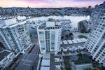 "Main Photo: 2207 198 AQUARIUS Mews in Vancouver: Yaletown Condo for sale in ""AQUARIUS"" (Vancouver West)  : MLS®# R2341515"