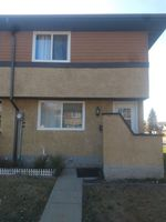 Main Photo: 131 WOODBOROUGH Way in Edmonton: Zone 35 Townhouse for sale : MLS®# E4216758