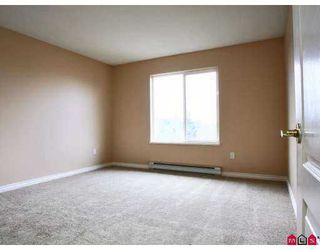 """Photo 5: 20433 53RD Ave in Langley: Langley City Condo for sale in """"Countryside Estates"""" : MLS®# F2702317"""