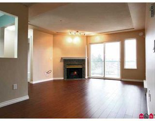 """Photo 3: 20433 53RD Ave in Langley: Langley City Condo for sale in """"Countryside Estates"""" : MLS®# F2702317"""
