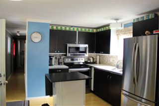 """Photo 3: 13 7790 KING GEORGE Boulevard in Surrey: East Newton Manufactured Home for sale in """"CRISPEN BAYS"""" : MLS®# R2394101"""