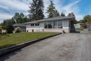 Photo 2: 753 EDGAR Avenue in Coquitlam: Coquitlam West House for sale : MLS®# R2405339