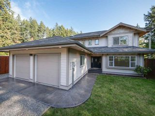 Main Photo: 574 VETERANS Road in Gibsons: Gibsons & Area House for sale (Sunshine Coast)  : MLS®# R2412028