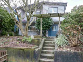 Photo 1: 4285 ST. GEORGE STREET in Vancouver: Fraser VE House for sale (Vancouver East)  : MLS®# R2433142