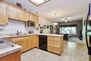"""Photo 7: 11 34159 FRASER Street in Abbotsford: Central Abbotsford Townhouse for sale in """"EMERALD PLACE"""" : MLS®# R2455570"""