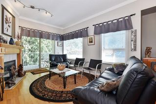 """Photo 5: 11 34159 FRASER Street in Abbotsford: Central Abbotsford Townhouse for sale in """"EMERALD PLACE"""" : MLS®# R2455570"""