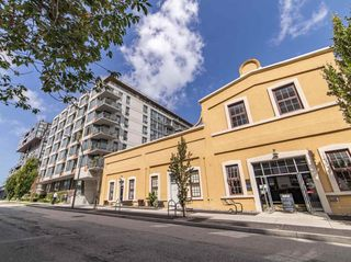 """Photo 2: 411 251 E 7TH Avenue in Vancouver: Mount Pleasant VE Condo for sale in """"The District"""" (Vancouver East)  : MLS®# R2507937"""