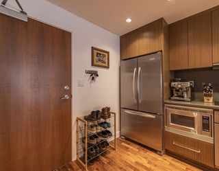 """Photo 18: 411 251 E 7TH Avenue in Vancouver: Mount Pleasant VE Condo for sale in """"The District"""" (Vancouver East)  : MLS®# R2507937"""