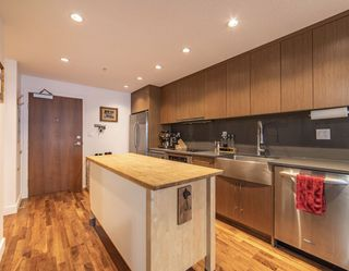 """Photo 17: 411 251 E 7TH Avenue in Vancouver: Mount Pleasant VE Condo for sale in """"The District"""" (Vancouver East)  : MLS®# R2507937"""