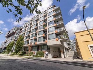 """Photo 1: 411 251 E 7TH Avenue in Vancouver: Mount Pleasant VE Condo for sale in """"The District"""" (Vancouver East)  : MLS®# R2507937"""