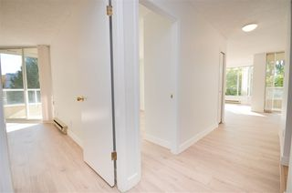 """Photo 2: 201 1045 QUAYSIDE Drive in New Westminster: Quay Condo for sale in """"QUAYSIDE TOWERS1"""" : MLS®# R2400263"""