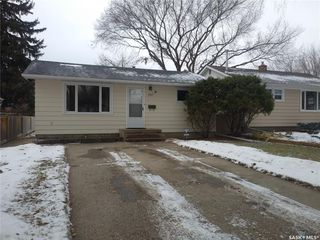 Main Photo: 1217 J Avenue South in Saskatoon: Holiday Park Residential for sale : MLS®# SK806396