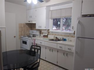 Photo 3: 1217 J Avenue South in Saskatoon: Holiday Park Residential for sale : MLS®# SK806396