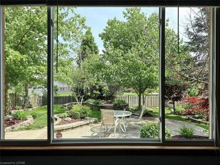 Photo 16: 421 AMBLESIDE Drive in London: North A Residential for sale (North)  : MLS®# 262817