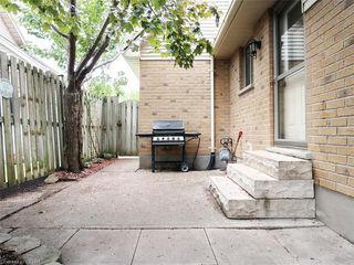 Photo 32: 421 AMBLESIDE Drive in London: North A Residential for sale (North)  : MLS®# 262817