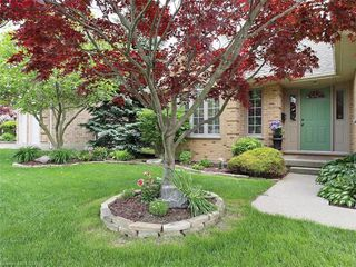 Photo 2: 421 AMBLESIDE Drive in London: North A Residential for sale (North)  : MLS®# 262817