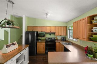 Photo 8: 2045 Wesbrook Dr in Sidney: Si Sidney North-West Single Family Detached for sale : MLS®# 844726