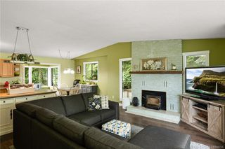 Photo 4: 2045 Wesbrook Dr in Sidney: Si Sidney North-West Single Family Detached for sale : MLS®# 844726