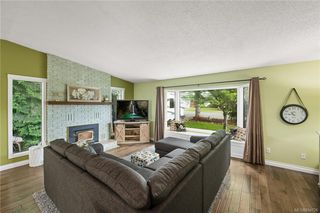 Photo 6: 2045 Wesbrook Dr in Sidney: Si Sidney North-West Single Family Detached for sale : MLS®# 844726